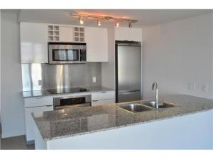 #1709 788 Hamilton Street, Vancouver | TV Towers | TV Tower 1 | Kitchen
