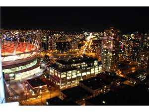 #2907 - 233 Robson Street, Vancouver | TV Towers | TV Tower 2 | Kitchen