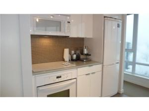 3507 - 233 Robson Street Vancouver - TV Towers Vancouver - TV Tower 2 - Kitchen