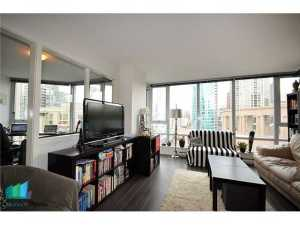 1805 - 788 Hamilton Street Vancouver - TV Towers - TV Tower 1 - living room